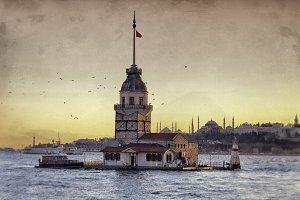 Kiz Kulezi symbol of Bosphorus.