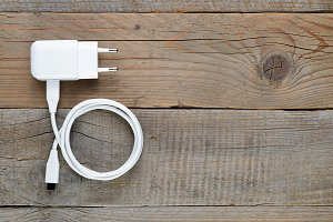 Charger for tablet or smartphone