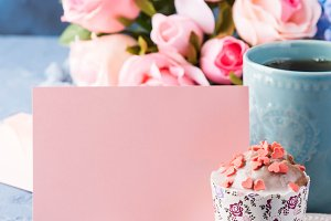 Mother's day Valentine concept muffin cup tea paper note