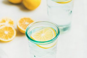 Detox lemon water
