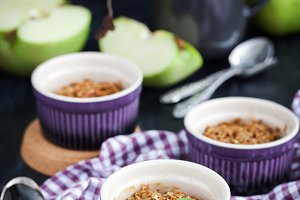 Delicious apple crumble