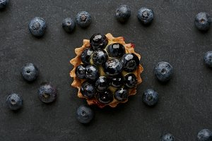 Tasty tart with blueberries