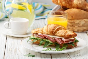 sandwich-croissant
