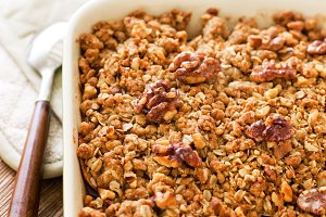 Apple Crisp with walnuts