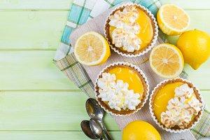 Lemon meringue mini pies
