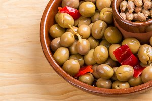 Marinated green olives
