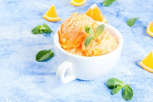 Orange sorbet with mint