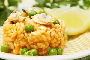 risotto with peas and clams
