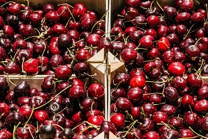 Cherries box in the market
