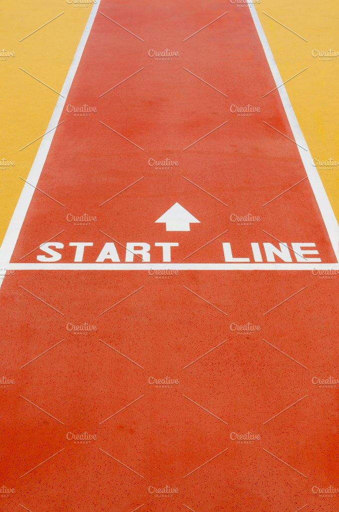 Start line vertical.jpg - Sports