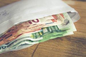 corrupt money kickback