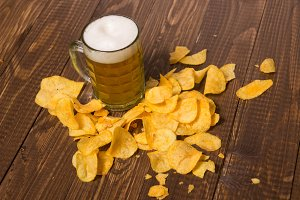 The beer and crunchy chips