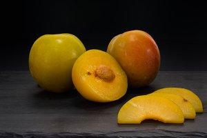 cutted prunes