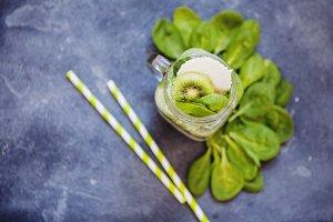 Spinach & kiwi smothie