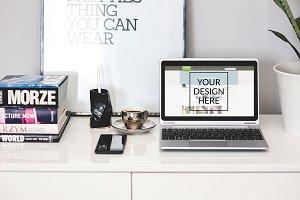 MockUp: Scandinavian Style Workspace