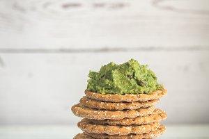 Sesame crispbread with guacamole