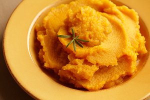 Pumpkin puree - amazing food staple!