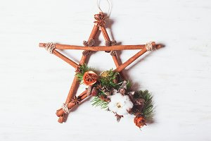 Christmas aromatic star