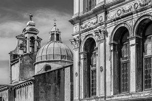Palazzo dei Camerlenghi and campanile of San Giacomo di Rialto