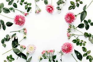Round frame with pink flower