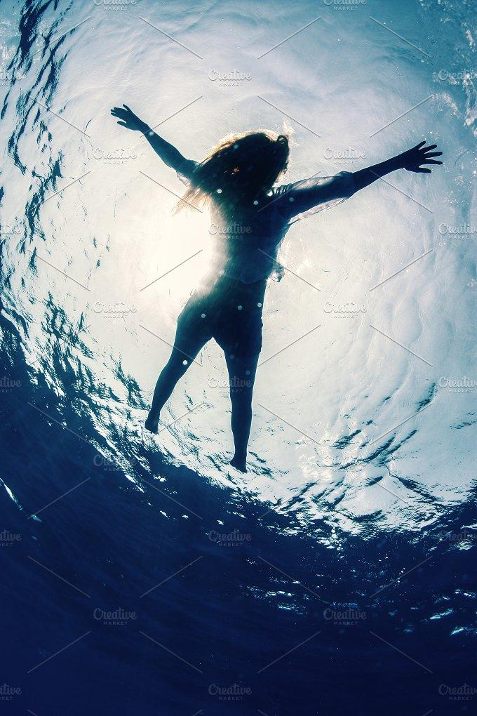 underwater.jpg - Photos