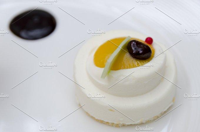 White chocolate dessert copia.jpg - Food & Drink