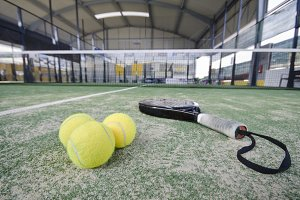 Wide angle paddle tennis objects