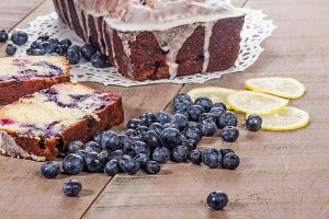 Blueberries with coffee cake