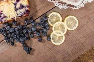 Blueberries and lemon cake