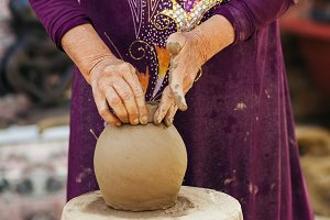 clay pot creation traditional