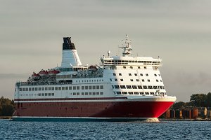 Red cruise liner