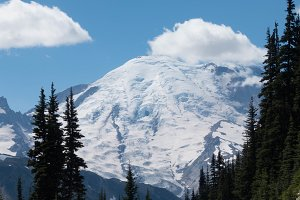 Mountain Rainier with Snow