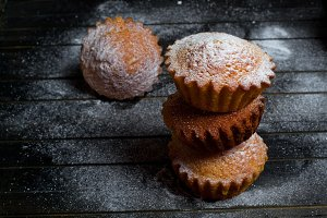 Muffins with powder