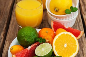 Juice and fresh citrus fruits