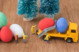 prepare easter eggs for decoration