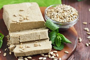 Sliced sunflower halva