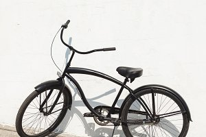 Black city bicycle cruiser