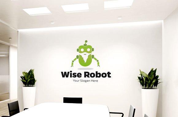 Wise Smart Robot Logo
