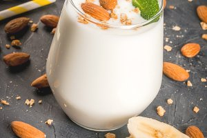 Smoothie with banana and almond