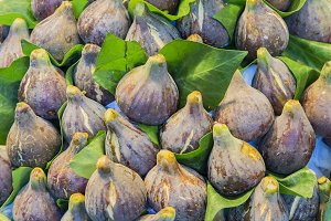pile of figs