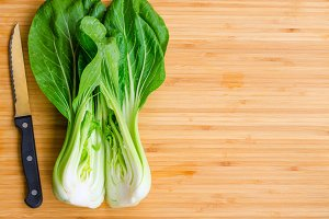 Bok choy with knif on the table