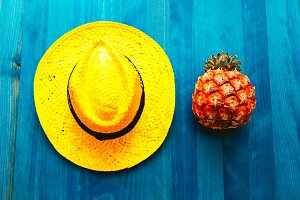 hat. Beach ideas. Minimal