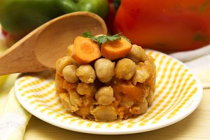 cooked chickpeas with peppers