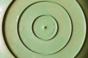 Round Plastic Bowl Surface in Green