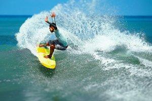 Surfer makes a splash