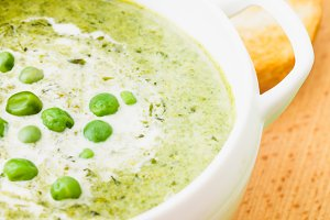 peas cream soup