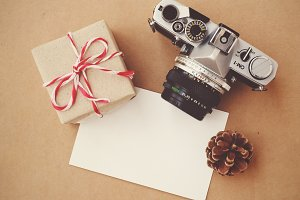 Film camera and gift box