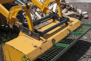 tractor shovel