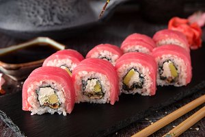 Tuna Sushi Roll with eel