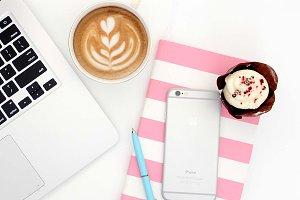 Desktop iphone cupcake macbook coffe